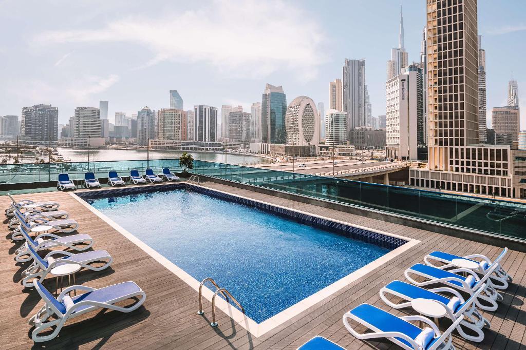 Ντουμπάι που να μείνετε-Radisson blu pool